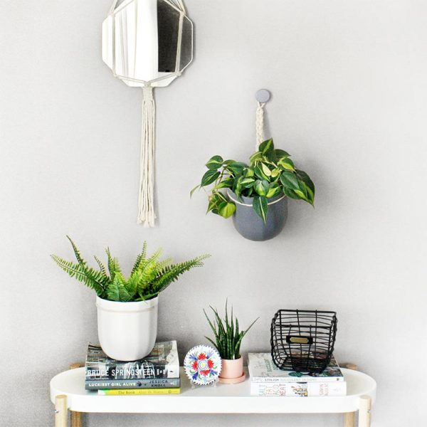 Gravel Loop Hanging Planter Lifestyle